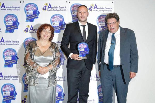 El abogado Pedro Albares, recibe el Premio Europeo al Talento Empresarial