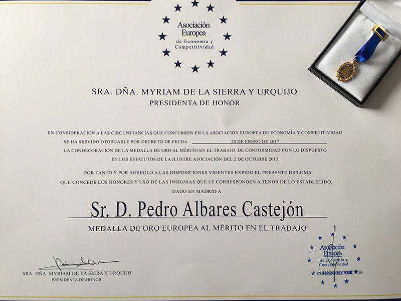 Albares Abogados Manises y Valencia, entrega Medalla al Mérito en el Trabajo