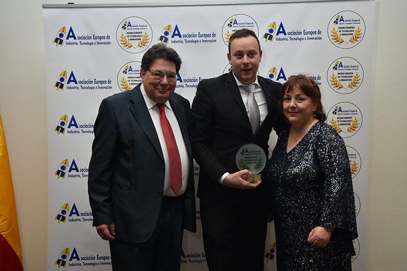 Pedro Albares, premiado por AEITI