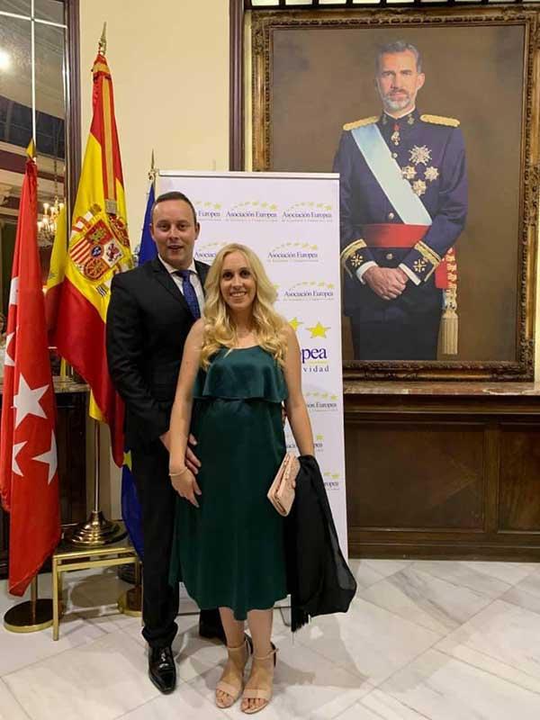 Pedro Albares y esposa