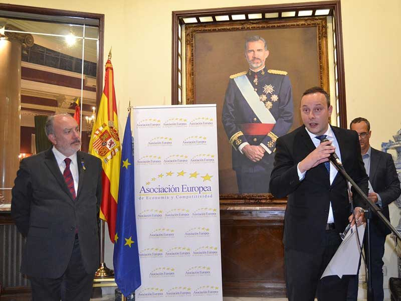 Pedro Albares durante el discurso